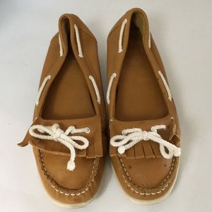 Cougar moccasins size 10 Slip On Brown White Laces